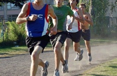 Group training: benefits to endurance runners/Entraînment en Groupe